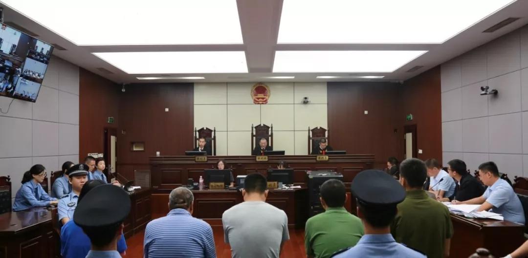 市北区检察院提起公诉的两起涉恶案件开庭审理